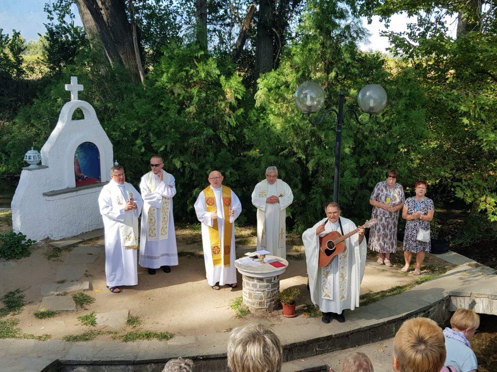 Tropienie Korzeni po Greckiej Ziemi Eucharystia